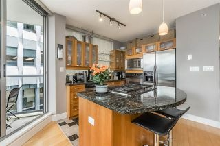 """Photo 2: 401 1228 W HASTINGS Street in Vancouver: Coal Harbour Condo for sale in """"PALLADIO"""" (Vancouver West)  : MLS®# R2258728"""