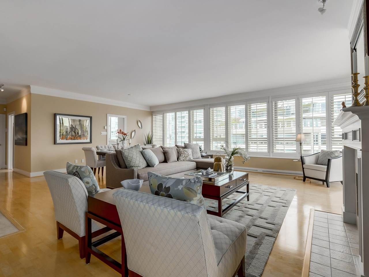 """Photo 5: Photos: 800 1675 HORNBY Street in Vancouver: Yaletown Condo for sale in """"SEAWALK SOUTH"""" (Vancouver West)  : MLS®# R2083569"""