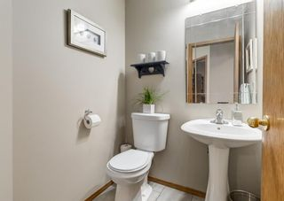 Photo 17: 126 Strathridge Close SW in Calgary: Strathcona Park Detached for sale : MLS®# A1123630