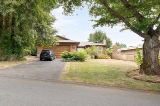 Photo 5: 8488 151A Street in Surrey: Bear Creek Green Timbers House for sale : MLS®# R2600033