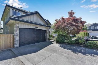 Photo 2: 7901 155A Street in Surrey: Fleetwood Tynehead House for sale : MLS®# R2611912