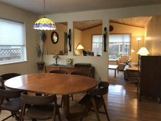 Photo 8: 5686 CREEKSIDE Place in Sechelt: Sechelt District House for sale (Sunshine Coast)  : MLS®# R2515711