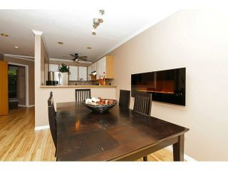 """Photo 3: 204 11724 225TH Street in Maple Ridge: East Central Townhouse for sale in """"ROYAL TERRACE"""" : MLS®# V1090224"""