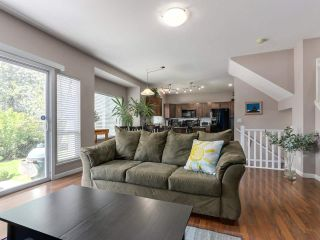 """Photo 4: 46 3363 ROSEMARY HEIGHTS Crescent in Surrey: Morgan Creek Townhouse for sale in """"ROCKWELL"""" (South Surrey White Rock)  : MLS®# R2289421"""