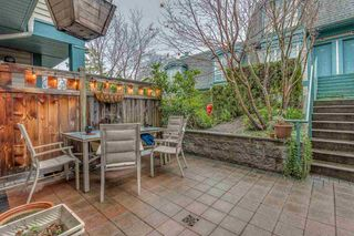 """Photo 2: 15 288 ST. DAVIDS Avenue in North Vancouver: Lower Lonsdale Townhouse for sale in """"ST. DAVID'S LANDING"""" : MLS®# R2232167"""