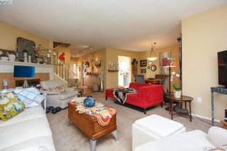 Photo 5: 3 1740 Knight Ave in VICTORIA: SE Mt Tolmie Row/Townhouse for sale (Saanich East)  : MLS®# 828137