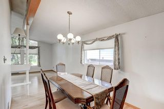 Photo 9: 2740 LIONEL Crescent SW in Calgary: Lakeview Detached for sale : MLS®# C4303561