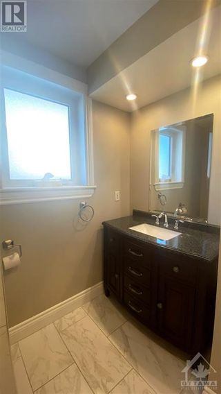 Photo 12: 964 WARBLER BAY in Ottawa: House for rent : MLS®# 1250872