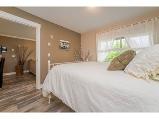 """Photo 10: 218 17769 57 Avenue in Surrey: Cloverdale BC Condo for sale in """"Clover Downs Estates"""" (Cloverdale)  : MLS®# R2177981"""