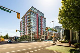 Photo 15: 204 38 W 1ST AVENUE in Vancouver: False Creek Condo for sale (Vancouver West)  : MLS®# R2430089