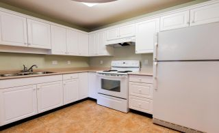 """Photo 8: 307 32075 GEORGE FERGUSON Way in Abbotsford: Central Abbotsford Condo for sale in """"ARBOUR COURT"""" : MLS®# R2564038"""