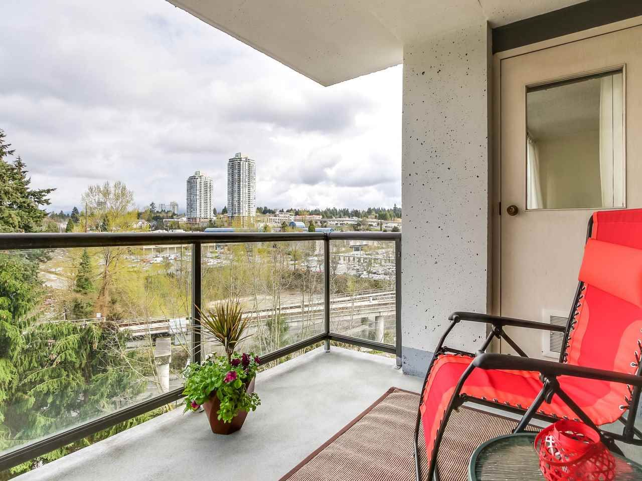 "Main Photo: 903 9521 CARDSTON Court in Burnaby: Government Road Condo for sale in ""CONCORDE PLACE"" (Burnaby North)  : MLS®# R2157097"