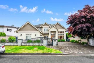 Photo 1: 10411 REYNOLDS Drive in Richmond: Woodwards House for sale : MLS®# R2613555