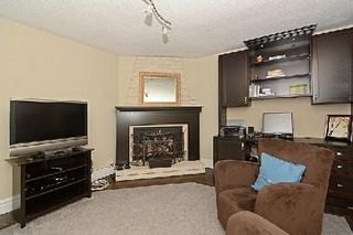 Photo 2: 34 Harpers Croft in Markham: Unionville House (2-Storey) for sale : MLS®# N2941849