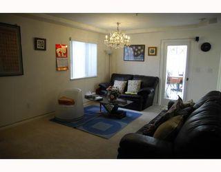 Photo 6: 3678 E Pender Street in Vancouver East: Renfrew VE House for sale : MLS®# V811892