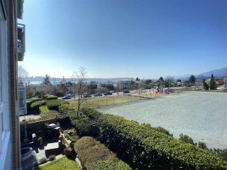 """Photo 11: 201 717 CHESTERFIELD Avenue in North Vancouver: Central Lonsdale Condo for sale in """"The Residences at Queen Mary by Polygon"""" : MLS®# R2491071"""