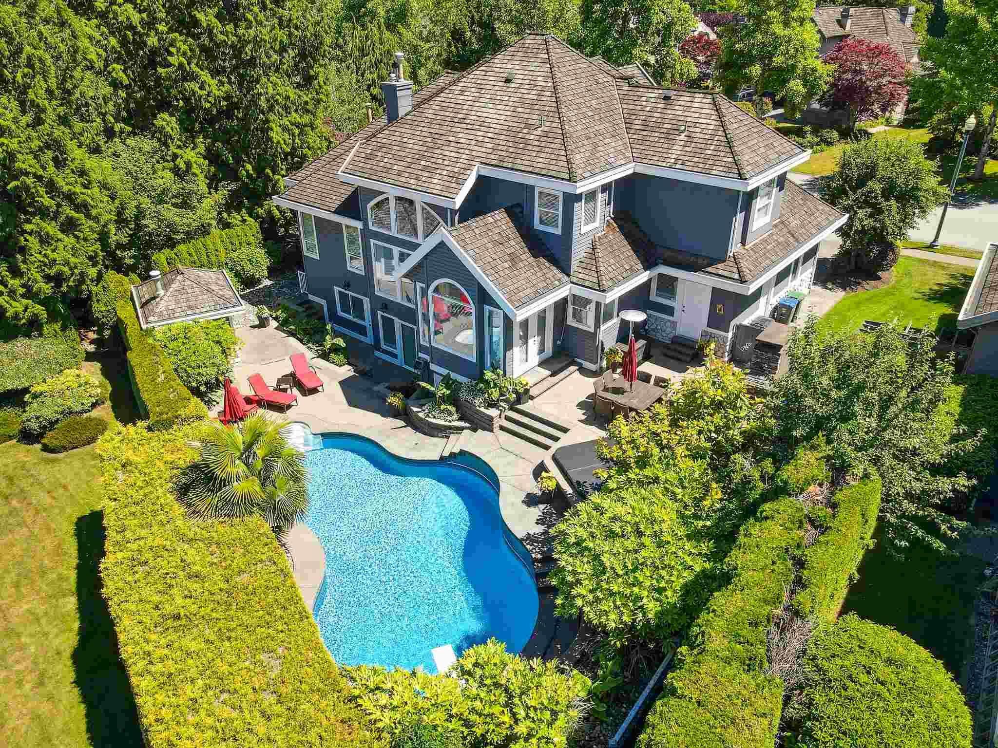 """Main Photo: 3563 MORGAN CREEK Way in Surrey: Morgan Creek House for sale in """"Morgan Creek"""" (South Surrey White Rock)  : MLS®# R2543355"""