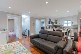 Photo 3: 2353 E 41ST Avenue in Vancouver: Collingwood VE House for sale (Vancouver East)  : MLS®# R2558105