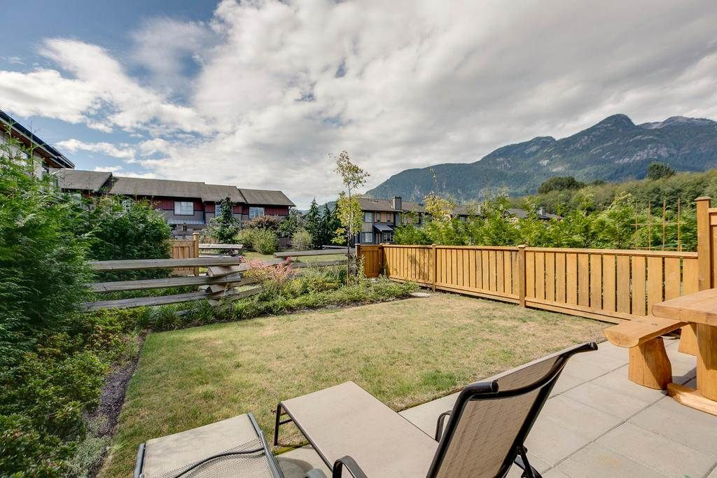 """Main Photo: 1149 NATURE'S GATE Crescent in Squamish: Downtown SQ Townhouse for sale in """"Natures Gate"""" : MLS®# R2104476"""