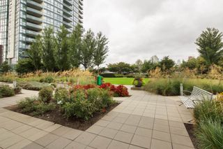 """Photo 20: 301 2225 HOLDOM Avenue in Burnaby: Central BN Condo for sale in """"LEGACY TOWERS"""" (Burnaby North)  : MLS®# R2329994"""