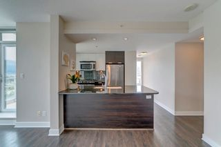 """Photo 4: 3205 2968 GLEN Drive in Coquitlam: North Coquitlam Condo for sale in """"Grand Central 2 by Intergulf"""" : MLS®# R2603826"""