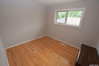 Photo 10: 413 112th Street West in Saskatoon: Sutherland Residential for sale : MLS®# SK864508