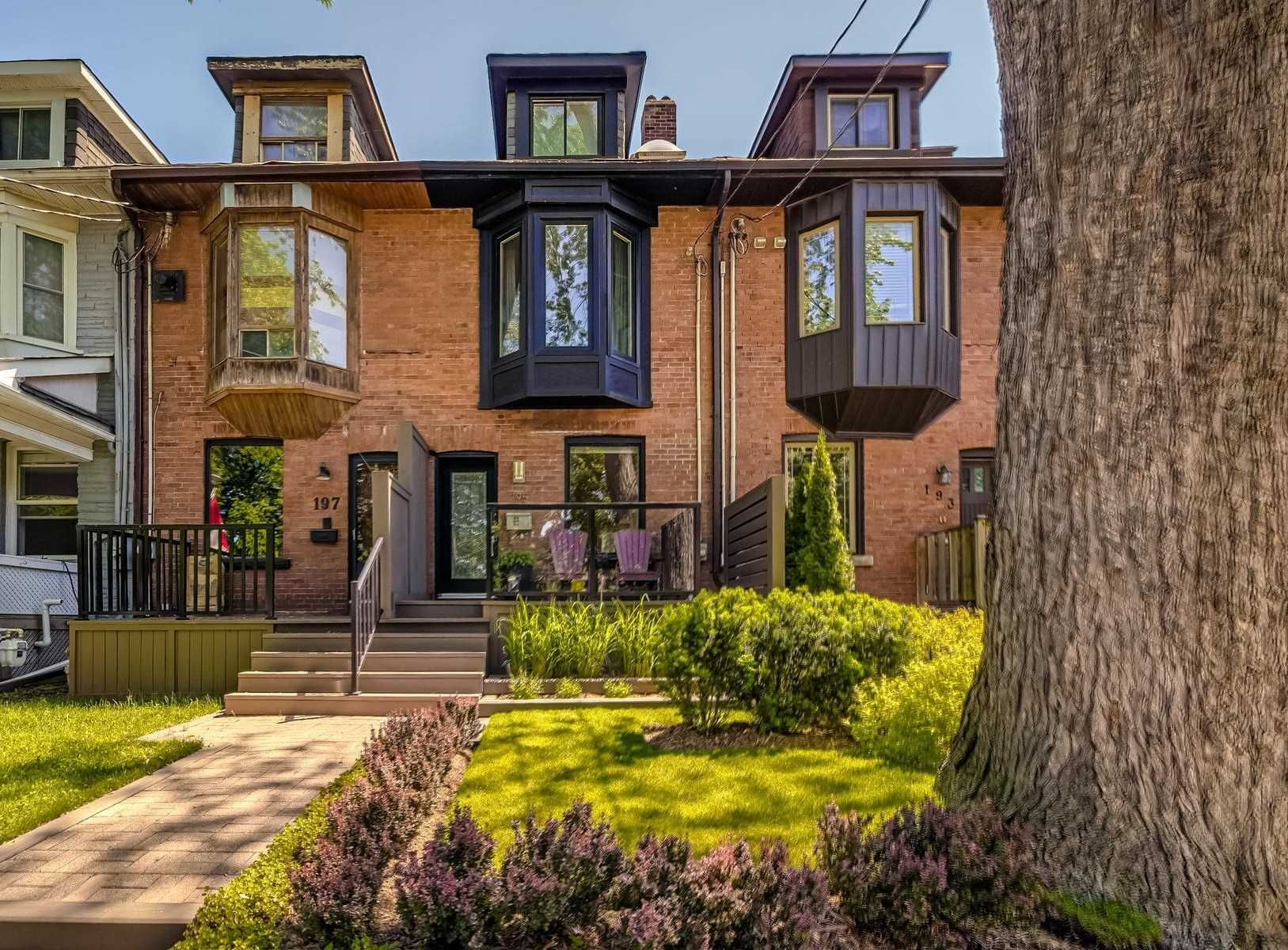 Main Photo: 195 Booth Avenue in Toronto: South Riverdale House (2 1/2 Storey) for sale (Toronto E01)  : MLS®# E4795618