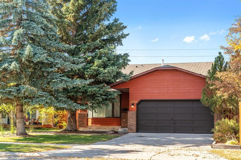 FEATURED LISTING: 13719 Deer Run Boulevard Southeast Calgary