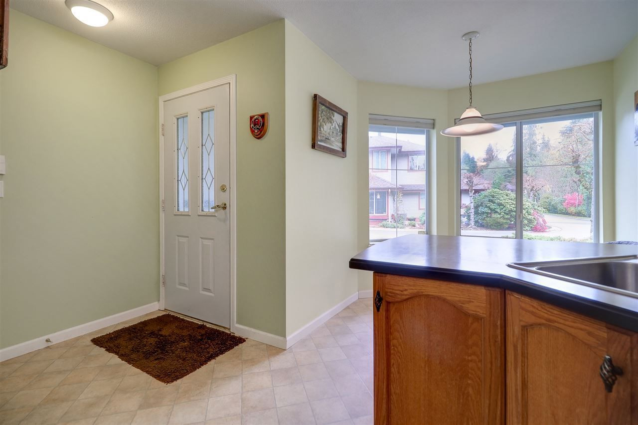 Photo 2: Photos: 30 22740 116 Avenue in Maple Ridge: East Central Townhouse for sale : MLS®# R2220079