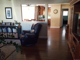 Photo 4: EL CAJON House for sale : 4 bedrooms : 1638 Garywood St
