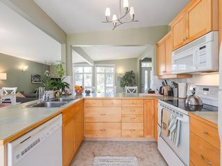 Photo 9: 5012 Bulyea Road NW in Calgary: Brentwood Detached for sale : MLS®# C4224301