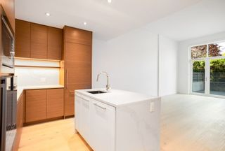 """Photo 6: 101 5693 ELIZABETH Street in Vancouver: Cambie Condo for sale in """"THE PARKER"""" (Vancouver West)  : MLS®# R2548104"""