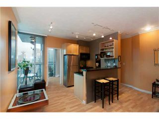 """Photo 4: # 2001 928 RICHARDS ST in Vancouver: Downtown VW Condo for sale in """"THE SAVOY"""" (Vancouver West)  : MLS®# V860098"""