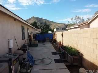 Photo 5: 17370 Madrone Street in Fontana: Residential for sale (264 - Fontana)  : MLS®# CV19088471