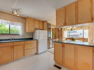 Photo 9: 129 13 Chief Robert Sam Lane in : VR Glentana Manufactured Home for sale (View Royal)  : MLS®# 877889