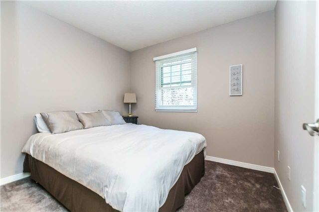 Photo 13: Photos: 48 1610 E Crawforth Street in Whitby: Blue Grass Meadows Condo for sale : MLS®# E4125009