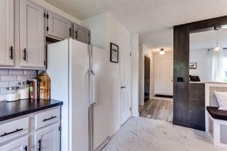 Photo 12: 23 Woodbrook Road SW in Calgary: Woodbine Detached for sale : MLS®# A1119363