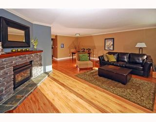 """Photo 4: 21 41450 GOVERNMENT Road: Brackendale Townhouse for sale in """"EAGLEVIEW"""" (Squamish)  : MLS®# V752564"""