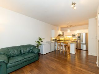 Photo 6: 972 West 54th Avenue in Vancouver: South Cambie Townhouse for sale (Vancouver West)  : MLS®# R2507523