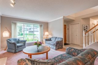 """Photo 4: 4722 UNDERWOOD Avenue in North Vancouver: Lynn Valley House for sale in """"Timber Ridge"""" : MLS®# R2401489"""