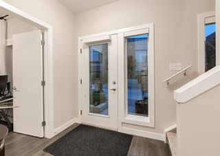 Photo 3: 1 71 34 Avenue SW in Calgary: Parkhill Row/Townhouse for sale : MLS®# A1142170