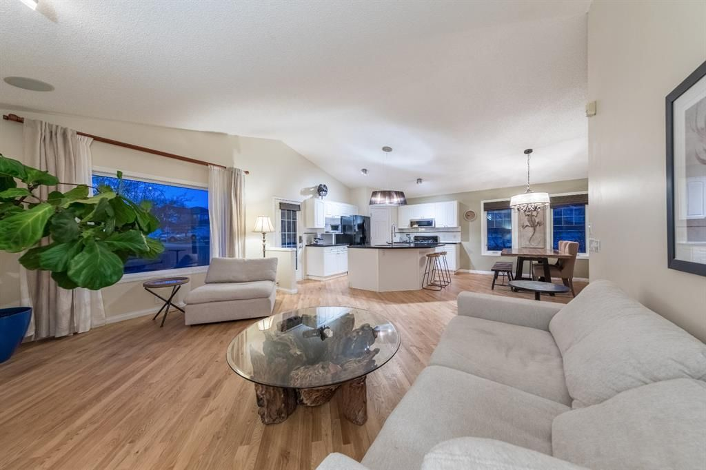 Photo 10: Photos: 42 Tuscany Hills Park NW in Calgary: Tuscany Detached for sale : MLS®# A1092297