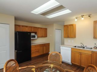 Photo 6: A 2361 EMBLETON Crescent in COURTENAY: CV Courtenay City Half Duplex for sale (Comox Valley)  : MLS®# 731264