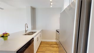 """Photo 4: 1102 2763 CHANDLERY Place in Vancouver: Fraserview VE Condo for sale in """"THE RIVERDANCE"""" (Vancouver East)  : MLS®# R2368823"""