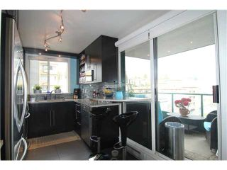 "Photo 6: 704 410 CARNARVON Street in New Westminster: Downtown NW Condo for sale in ""CARNARVON PLACE"" : MLS®# V1075370"