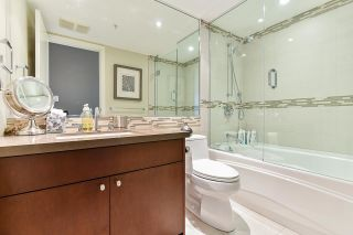 """Photo 30: 1902 1228 MARINASIDE Crescent in Vancouver: Yaletown Condo for sale in """"Crestmark II"""" (Vancouver West)  : MLS®# R2582919"""