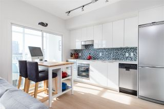 Photo 7: 905 2788 PRINCE EDWARD STREET in Vancouver: Mount Pleasant VE Condo for sale (Vancouver East)  : MLS®# R2368751