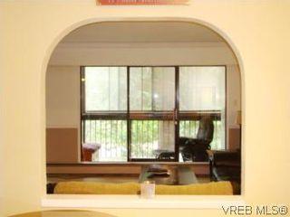 Photo 9: VICTORIA REAL ESTATE = QUADRA CONDO HOME Sold With Ann Watley! (250) 656-0131