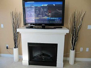 Photo 2: 413 1633 MACKAY Avenue in North Vancouver: Pemberton NV Condo for sale : MLS®# V993603