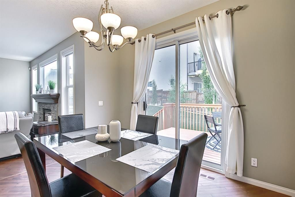Photo 5: Photos: 14 ASPEN HILLS Manor SW in Calgary: Aspen Woods Detached for sale : MLS®# A1116032